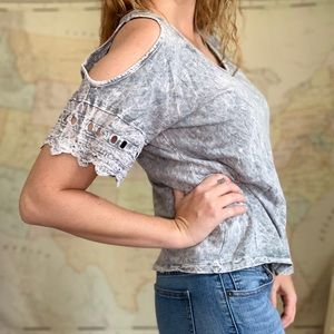 Bluegray stonewashed tee with should cut outs